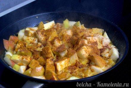 Приготовление рецепта Утка, запечённая с яблоками шаг 7
