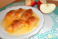 Слойки c яблоками в сладком сиропе