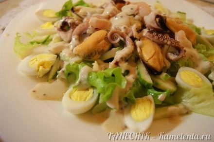 Приготовление рецепта Салат с морепродуктами шаг 12