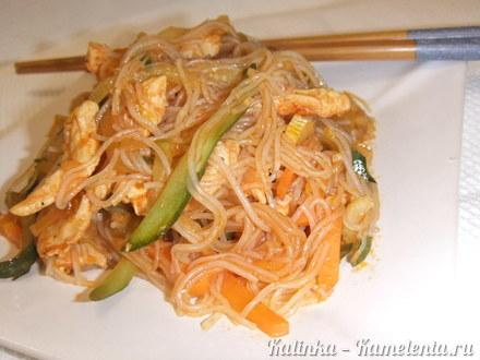 Приготовление рецепта Фунчоза с куриным филе и овощами шаг 16