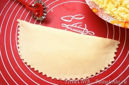 Приготовление рецепта Кутабы с зеленью и сыром шаг 7