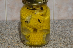 Маринованная кукуруза в початках