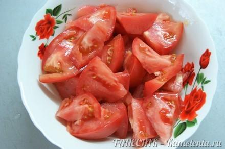 Приготовление рецепта Ароматный салат из томатов шаг 3