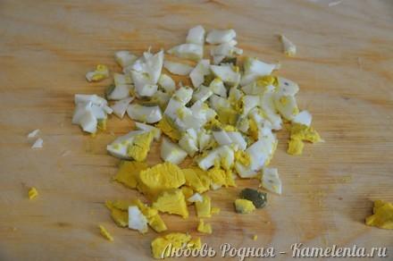 Приготовление рецепта Салат из баклажанов, яиц и лука. шаг 3