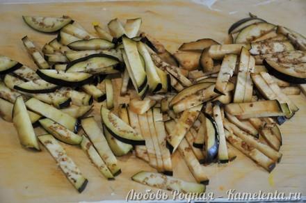 Приготовление рецепта Салат из баклажанов, яиц и лука. шаг 4