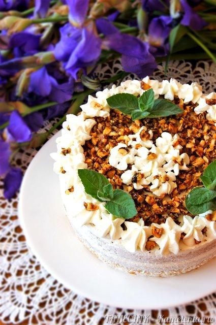 Рецепт орехового торта с яблочным муссом, сливочным кремом и карамельными орешками