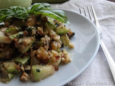 Приготовление рецепта Салат из кабачков с грецким орехом шаг 6