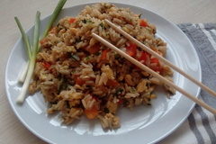 Жареный рис с яйцом