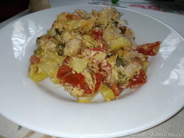 Рецепт свинина духовая с овощами, острым зеленым перцем и соусом