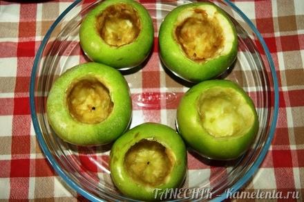 Приготовление рецепта Яблоки, запеченные с творогом шаг 4