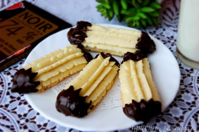 Рецепт венского печенья с шоколадными хвостиками
